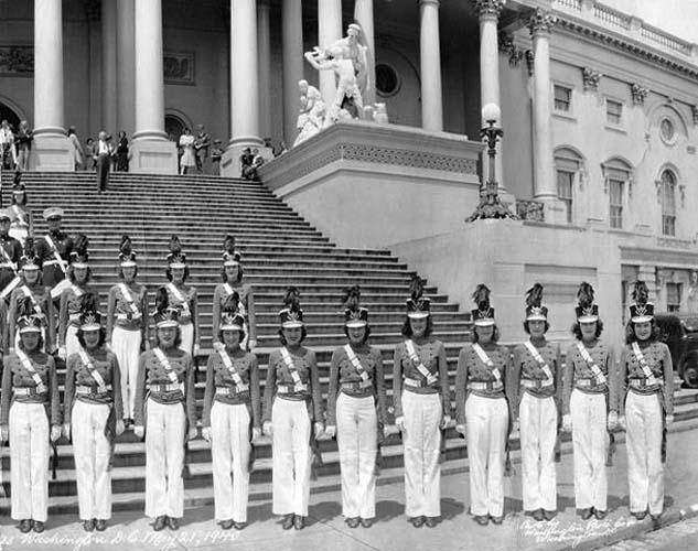1940 - Miami Edison Senior High Cadettes in Washington, DC (right half of image)