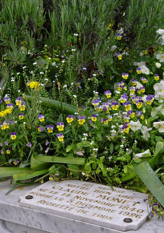 Monets family Grave - Sépulture de la famille Monet