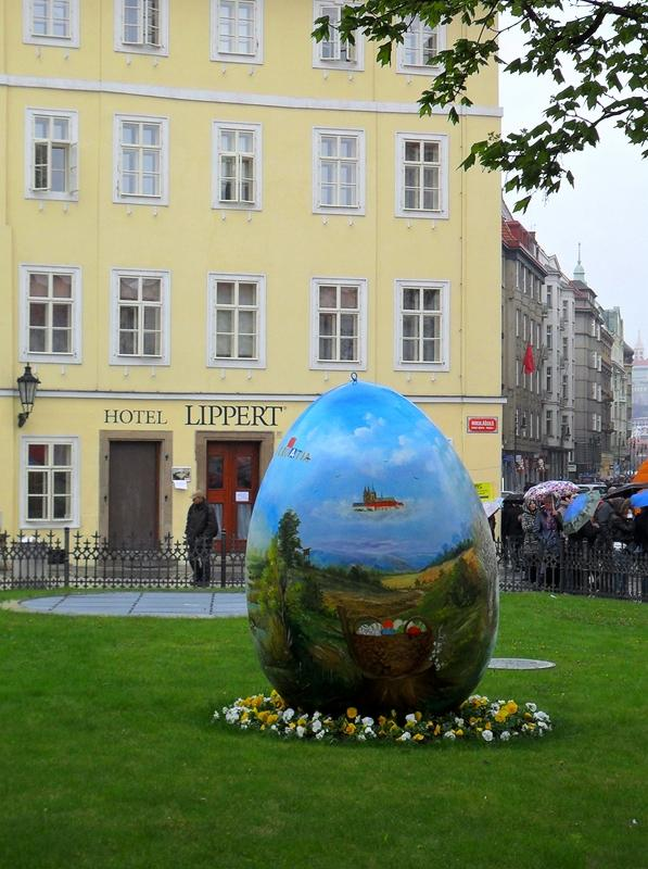 EASTER EGG IN OLD TOWN SQUARE