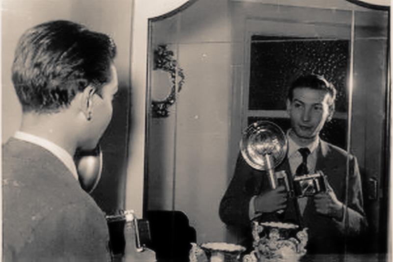 (39) 1953