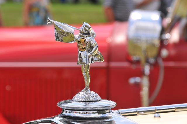 Hood ornament of 1929 Cadillac 341-B Roadster