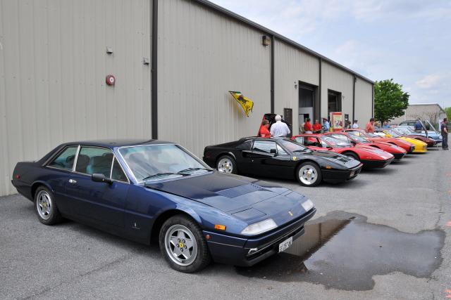 1970s Ferrari 400, foreground (3371)