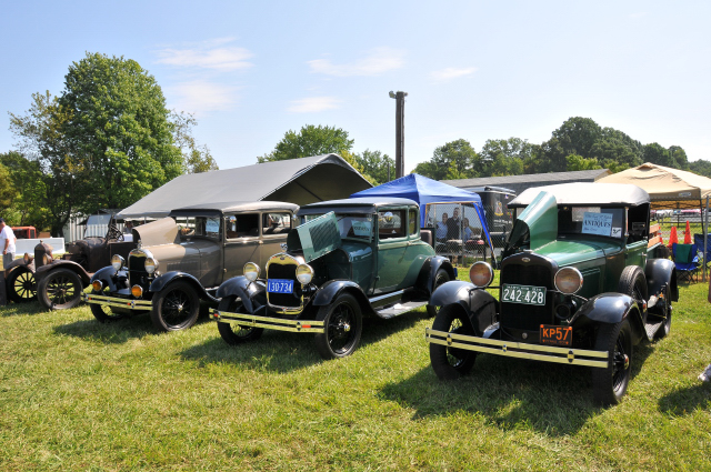 From left, 1928, 1928 and 1930 Ford Model As (5225)
