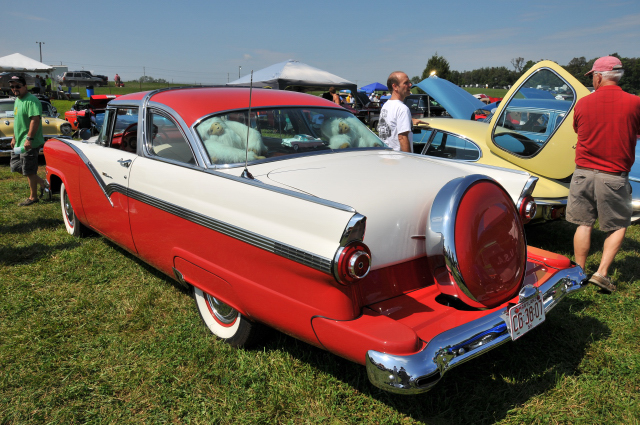 1956 Ford Crown Victoria (5236)