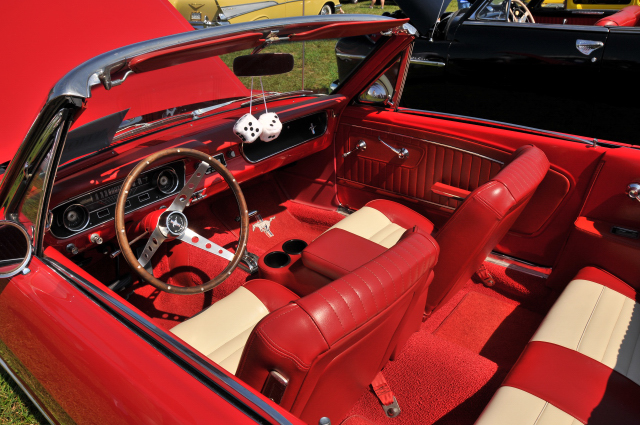 1965 Ford Mustang with Pony interior (5274)