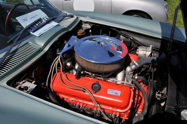 1966 Chevrolet Corvette roadster with 427 cid, 425 hp V8 (5314)