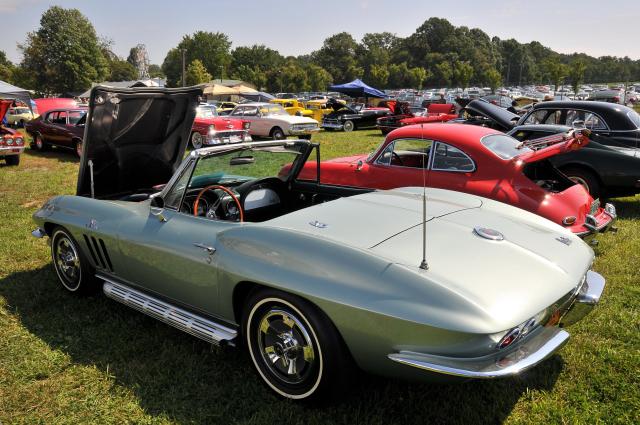 1966 Chevrolet Corvette roadster (5323)