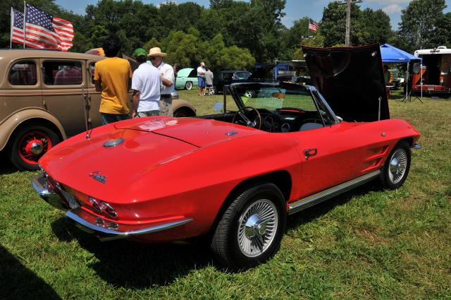 1964 Chevrolet Corvette roadster with 327 cid V8 (5402)