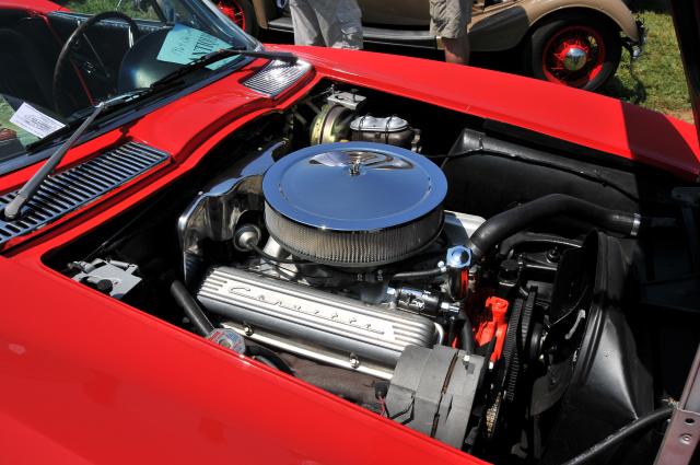 1964 Chevrolet Corvette roadster with 327 cid V8 (5405)