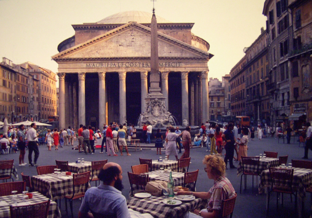 A Roman Empire relic, the Pantheon is one of Romes oldest intact buildings. 1982.
