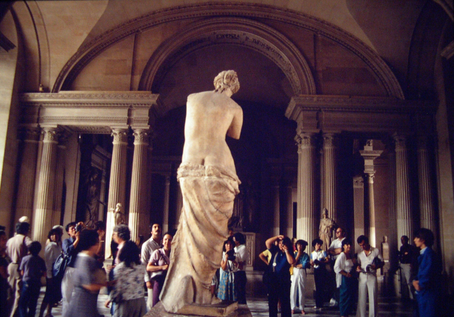 Venus de Milo, Louvre, Paris, 1982.