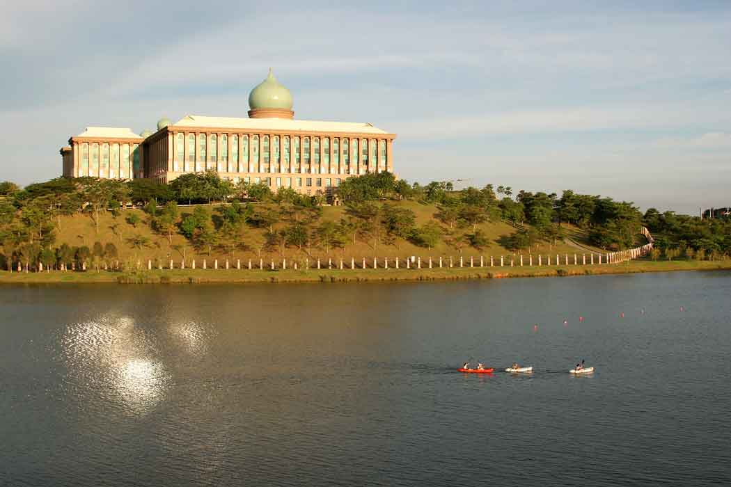 Putrajaya-Lake.