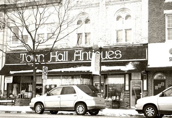 TOWN HALL  ANTIQUES