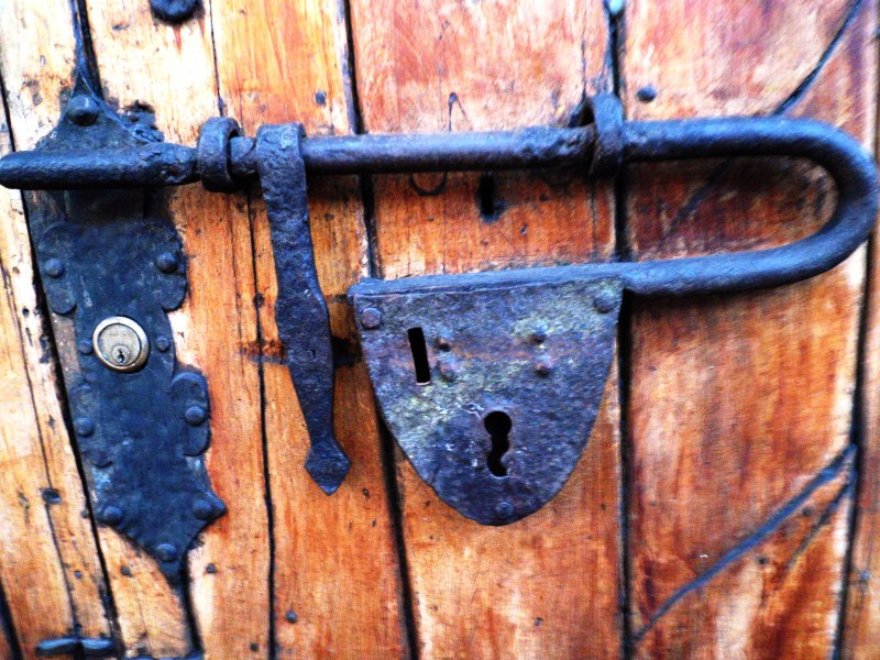 Antique Door Lock - La Candelaria (2).jpg
