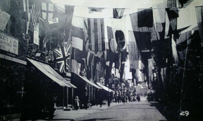 WW1-Celebrations-High Street2