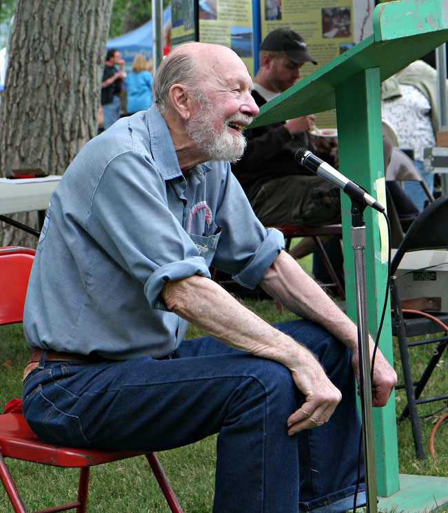 Pete Seeger recalling the old times