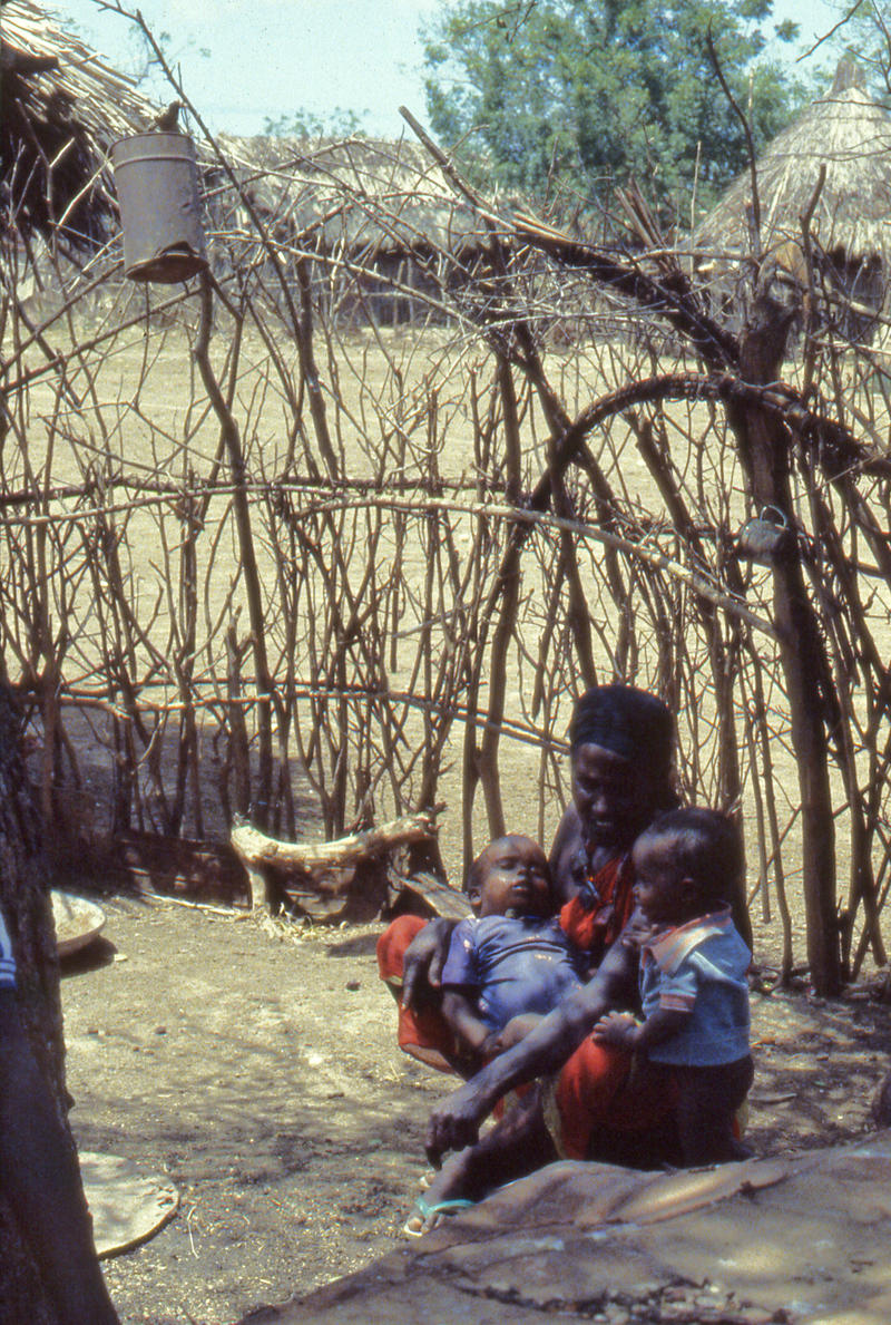 Mother and children, outskirts of Mogadishu