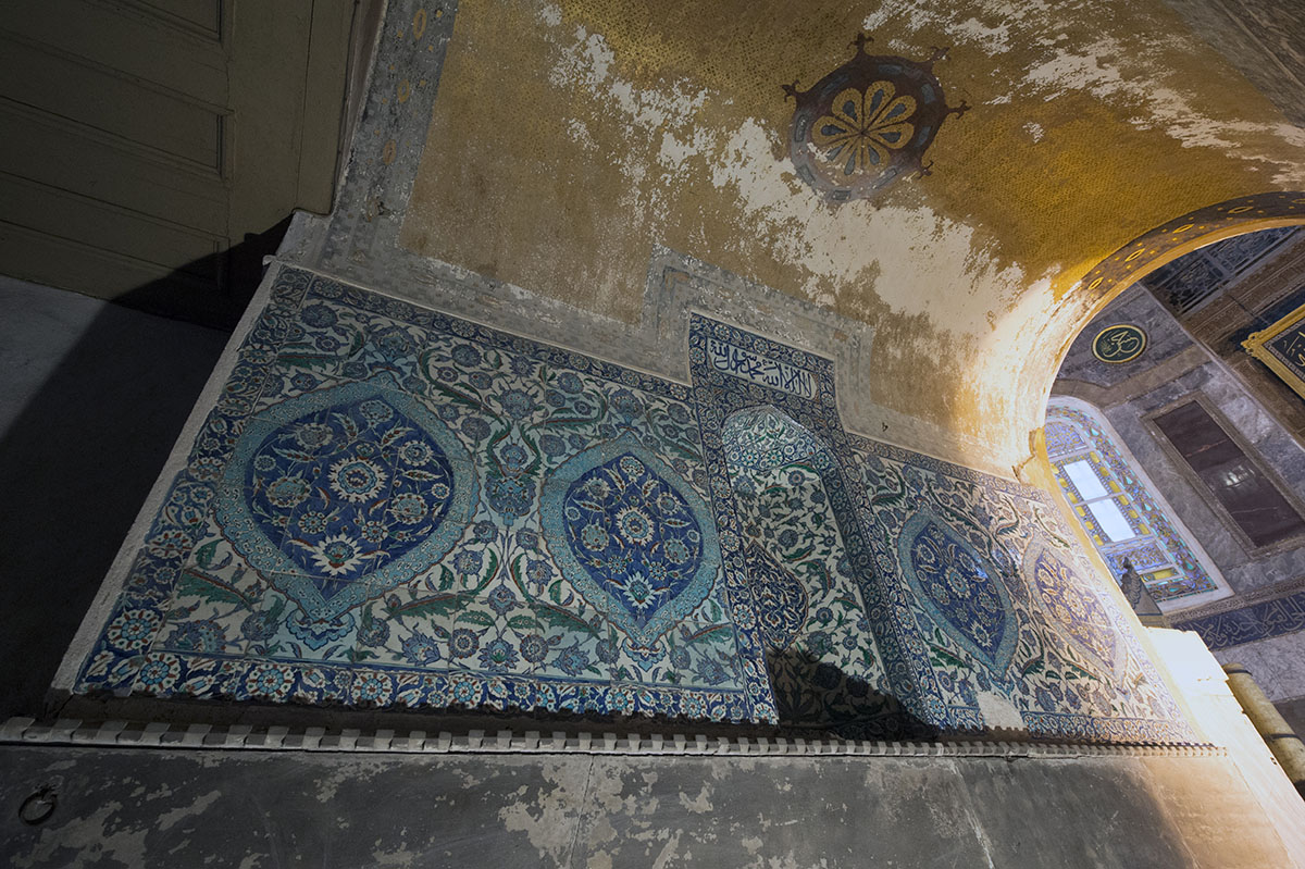 Istanbul Haghia Sophia december 2012 5979.jpg