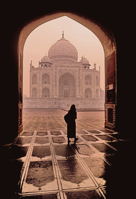 Alone at the Taj Mahal