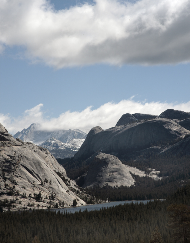 Tenaya Lake from Olmsted Point Vertical.jpg