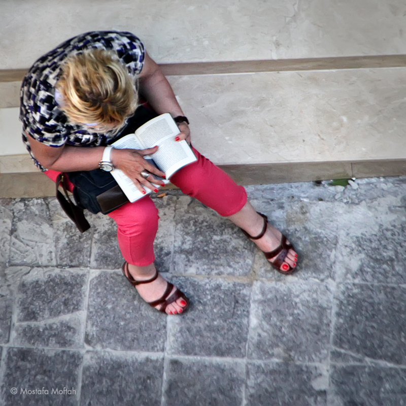 Stairs Reading - Istanbul