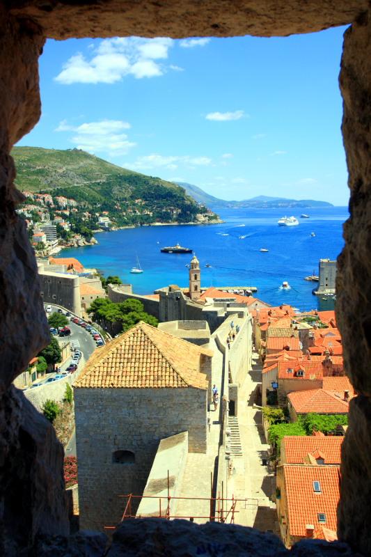 Dubrovnik, framed through the walls