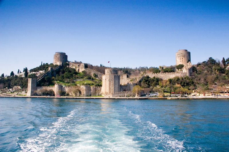 Speeding away from the Rumelli Fortress, Istanbul