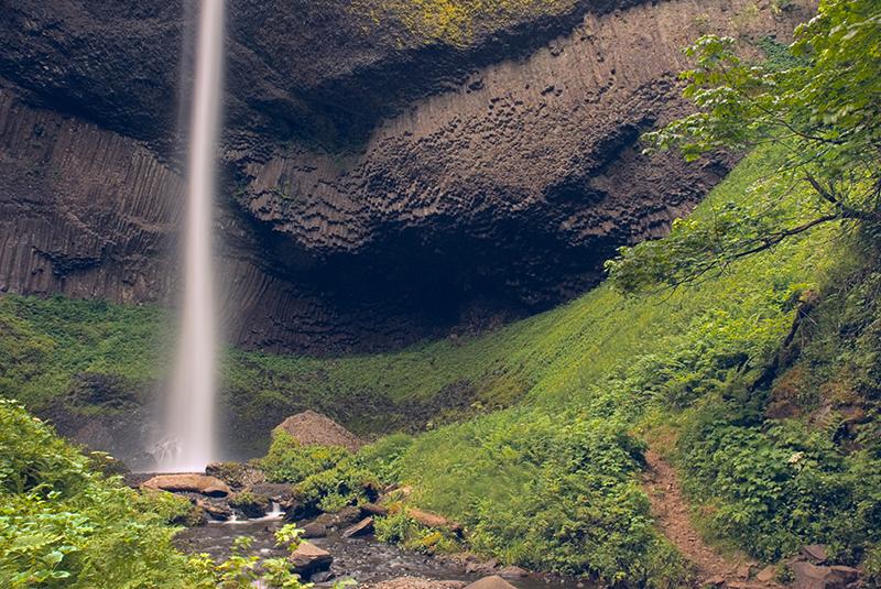 Base of Latourell Falls