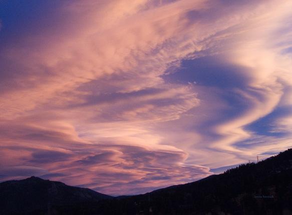 zCRW_2320 Sunset clouds over Estes Park.jpg