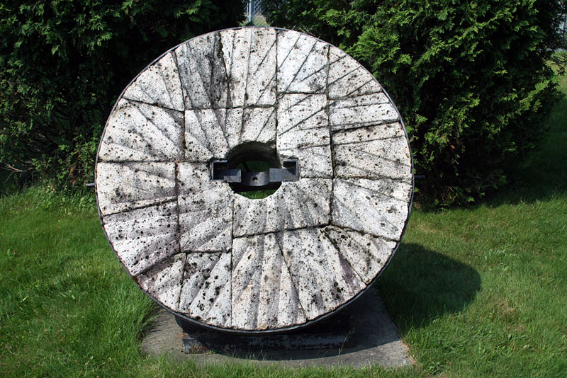 IMG_7699a Grist Mill Stone.jpg