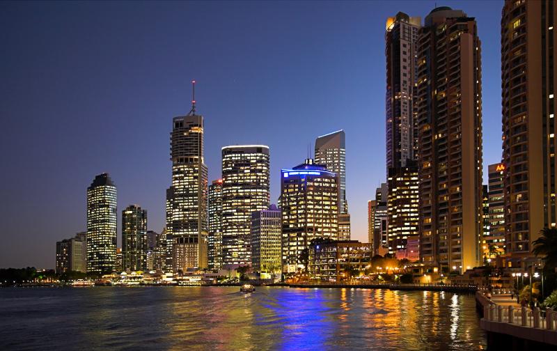 Brisbane Eagle Street Pier at dusk 2