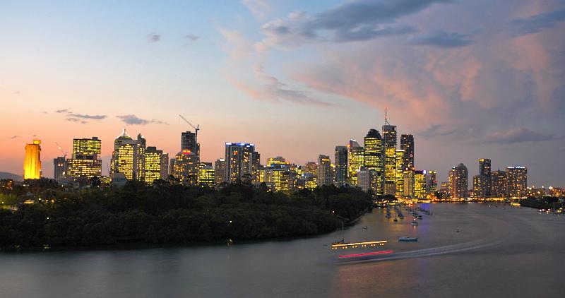 Brisbane at dusk from Kangaroo Point