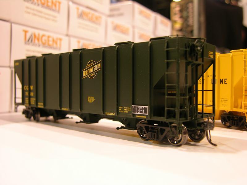 Tangent Scale Models HO: New PS-2CD 4000 cu ft hopper