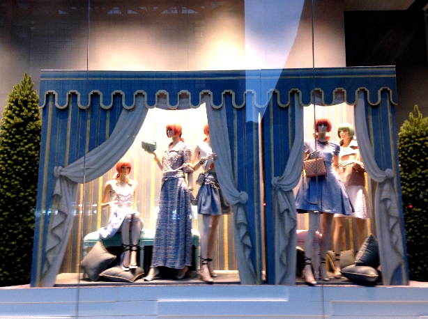 CHANEL Window Display