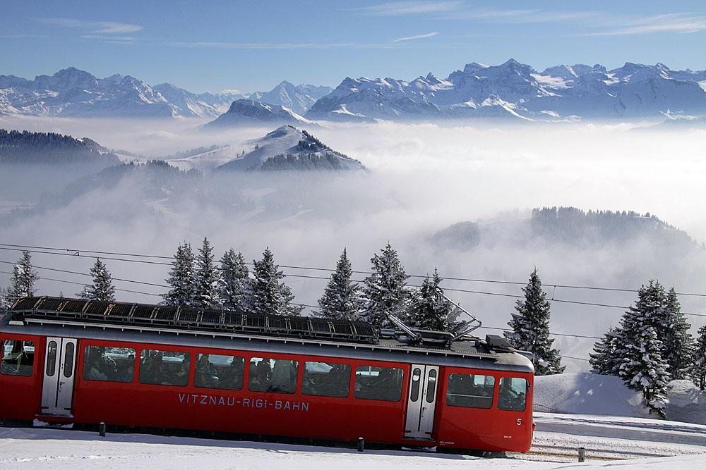Train to mount Rigi coming from Vitznau