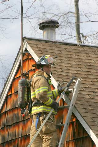 20070407-milford-house-fire-288-welches-point-rd-10.JPG