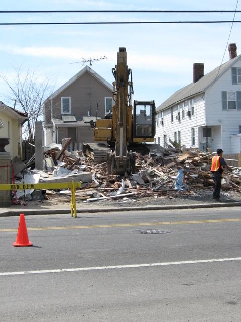 milford-house-collapse-merwyn-20070425_09.JPG