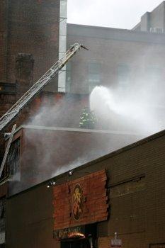 20071212_new_haven_fire_third_alarm_29_center_st_brass_monkey_4353.JPG