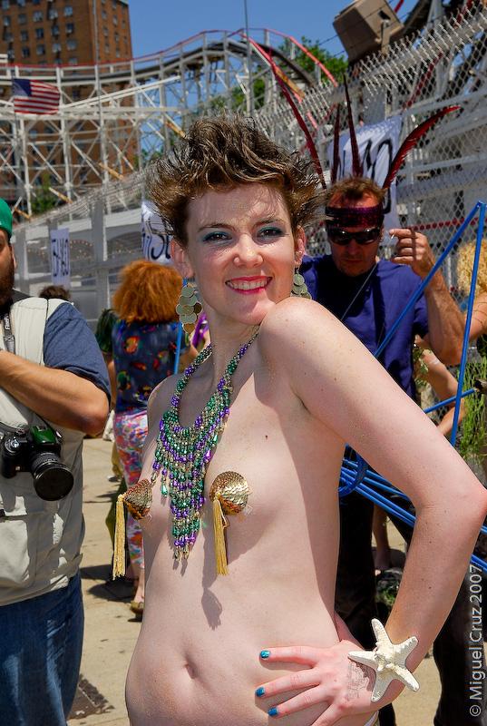 mermaidparade07-110.jpg