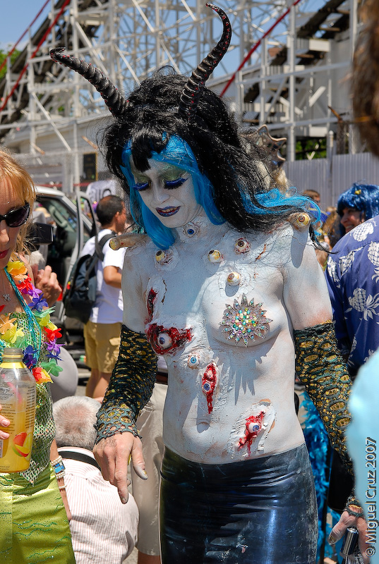 mermaidparade07-149.jpg