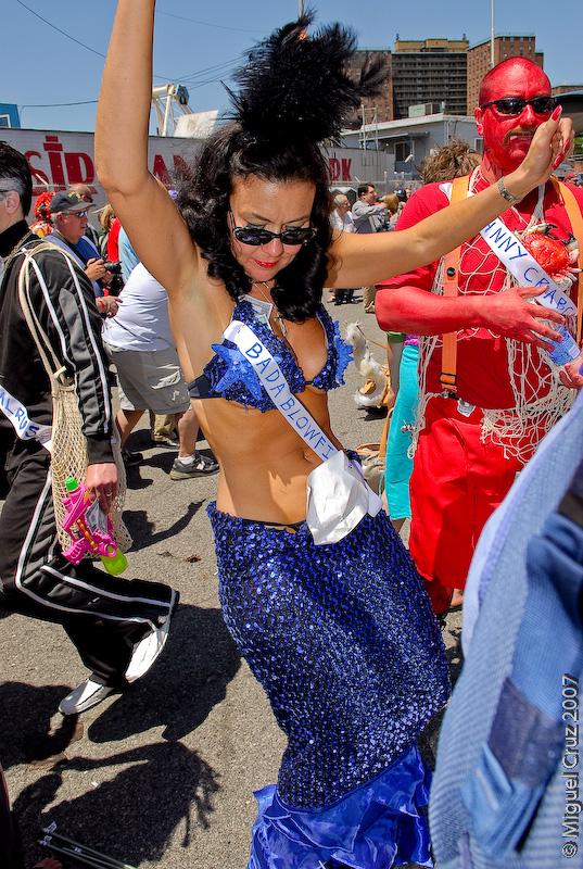 mermaidparade07-170.jpg