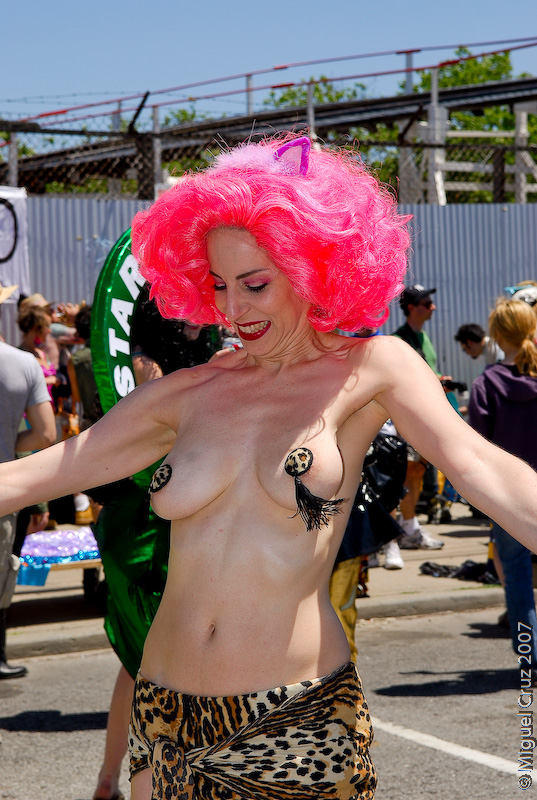 mermaidparade07-202.jpg