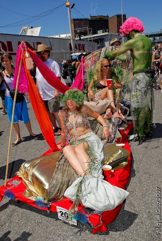 mermaidparade07-234.jpg
