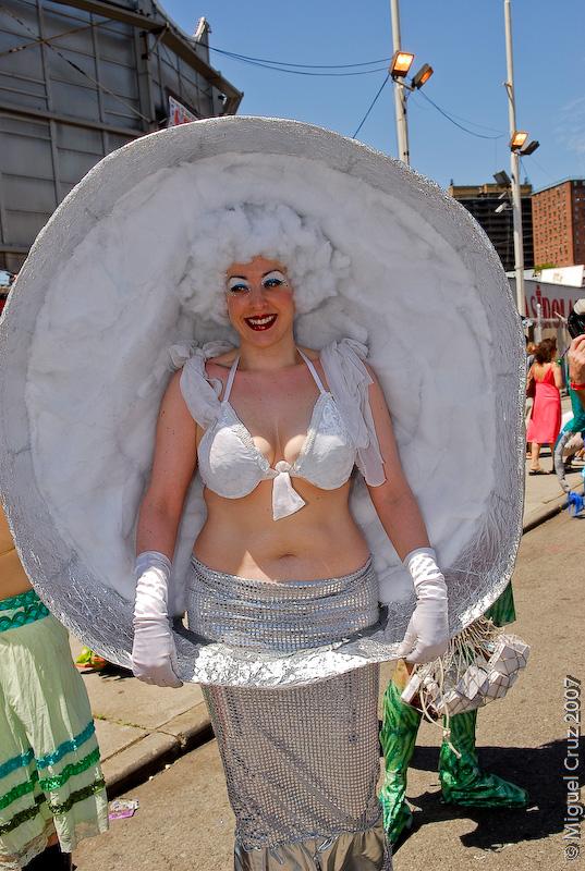 mermaidparade07-236.jpg