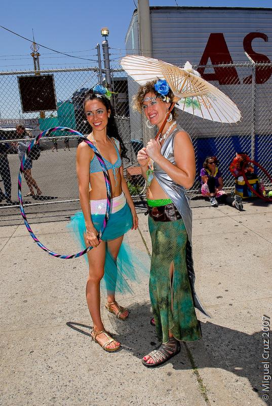 mermaidparade07-256.jpg