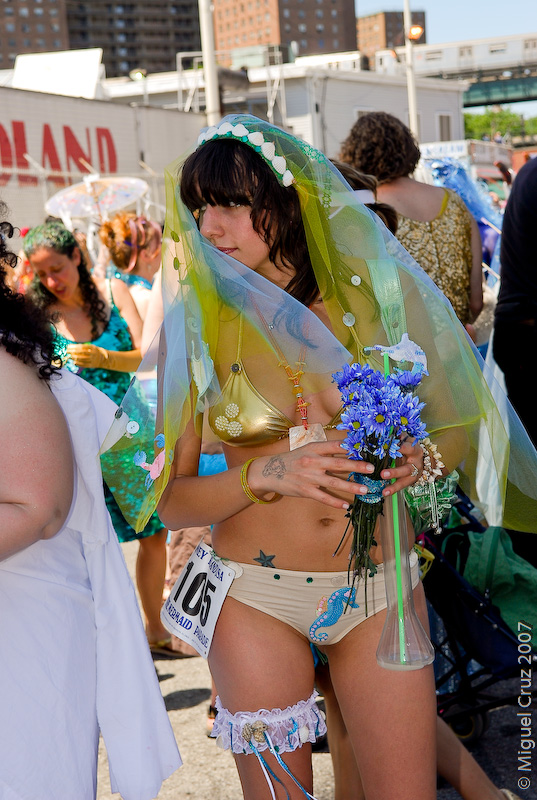 mermaidparade07-296.jpg