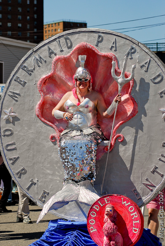 mermaidparade07-373.jpg