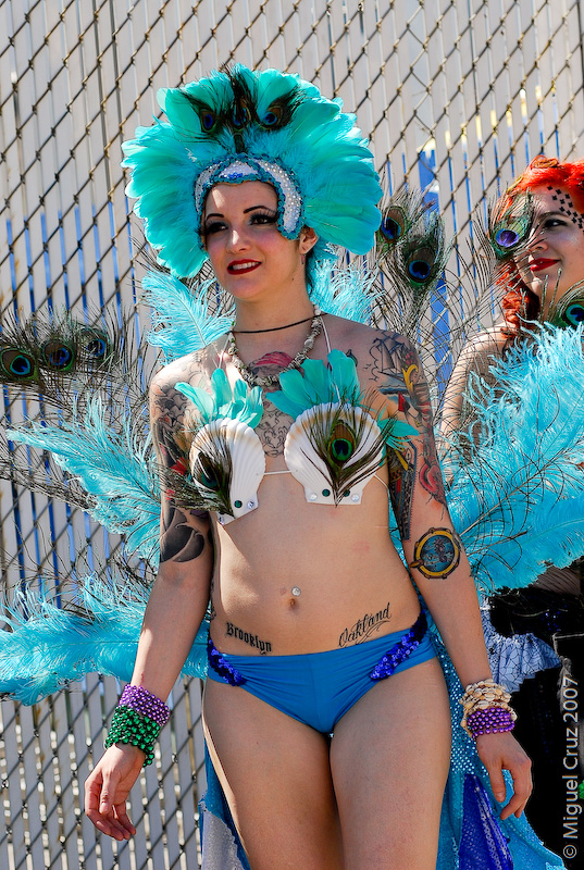 mermaidparade07-377.jpg