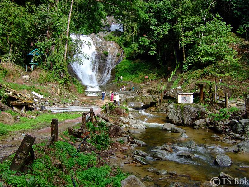 Lata Iskandar Waterfall.jpg
