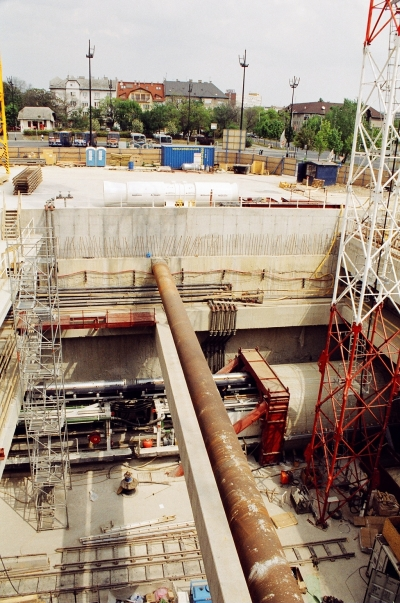 4es metró építési területe Kelenföldön - Underground line 4 building site at Kelenföld 04.jpg